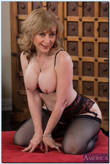 Nina Hartley Busty Mature Babe Gets a Romp