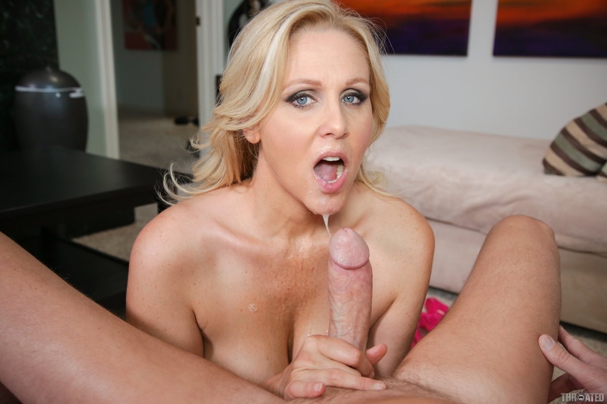 Julia Ann Gives a Deepthroat Blowjob