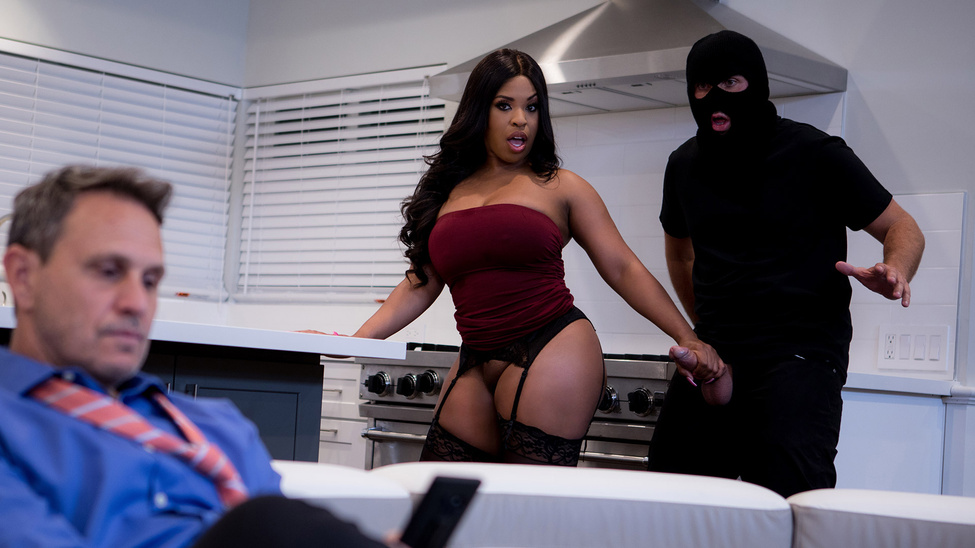 Aryana Adin in Breaking And Entering This Pussy