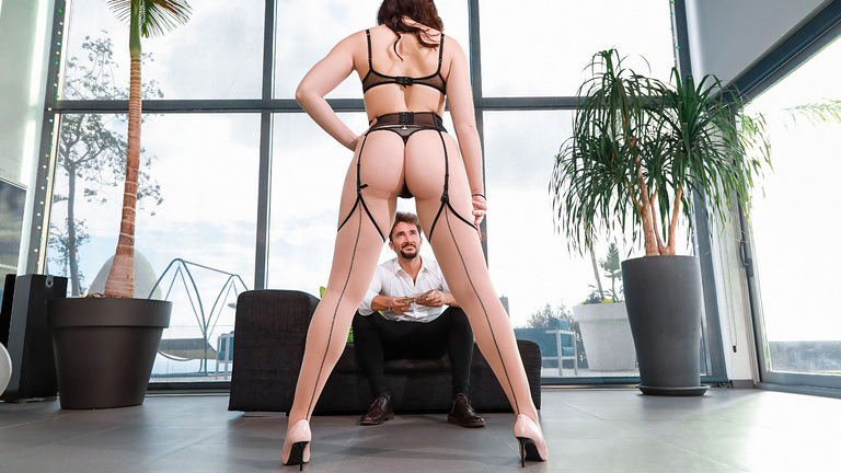 Hannah Vivienne in From Business To Pleasure